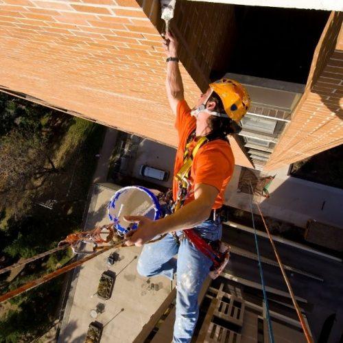 Especialistas en trabajos verticales en zonas de dificil acceso